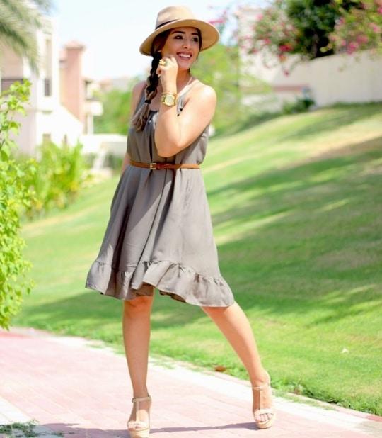 Summer is here in #mydubai here is a simple look  #ootd  #outfitideas #todaysoutfit #picofday  #dubaipr #dubailife #dubaistyle #dubaifashion #uaeblogger #dubaifashionblogger #dubaifashionbloggers #instadubai #dubaiblogger #mairasimplelife #dubaidiaries #fashioninspo #whatiwore  #fashionaddict #outfitinspo#dubaifashionista#middleeastblogger#dubaistreetstyle#dubaistyle#adstreetstyle  #prettylittleiiinspo #streetstyle  #fashionblogger #styleblogger #stylediaries