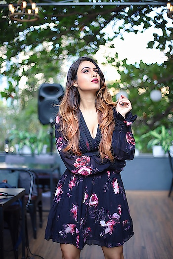 She's At Peace And Yet Somehow On Fire 🔥 😈😍 : #me #beingme #beingmyself #love #peace #happiness #onfire #fire #fierce #beauty #fashion #fashionstyle #styleblogger #ootd #daylook #chiclook #chicstyle #fashionblogger #styleblogger #forevernew #floraldress #floral #nehamalik #model #actor #blogger  : Photography @thetiltedlens  Mua @stashilicious  Location @rikemumbai