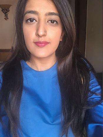 || Making the most of good natural light 😍🙈 . . #howilikeit #howilikeitjournal  #geetikasehgal #fashion #fashionblogger #blogger #indianfashionblogger #indianblogger #delhi  #delhiblogger #newpost #blog #march #fashionpost #selfie #naturallight #motd #makeupoftheday #beautyblogger #pinklips #liquidlipstick #sugarcosmetics #sugarliquidlipstick #sleekhair #beautyblogger