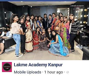 comptetion day 😇😊 with my favourite teachers❤❤ #ropo-good #ropo-style #ropo-post #ropo-fashion #ropo-makeup #lakmefashionweek #lakmeindia #lakmesalon ##lakme #makeup #kajal