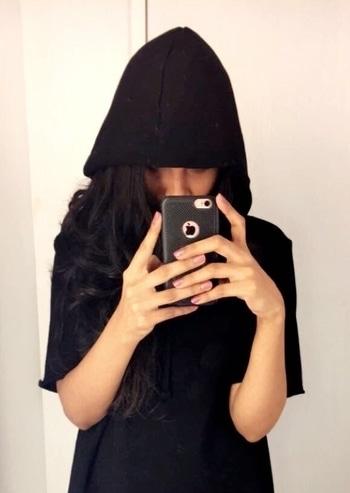 #fashion #black #hoodie #style #evergreen #comfortable #stylist #mumbaiblogger #fashionblogger #fashioninspiration
