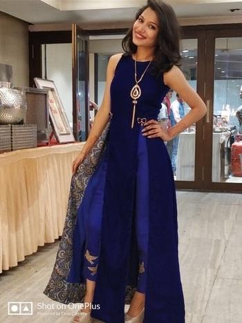 #roposotalenthunt #sangeetnight #bhnkishadi #indowesternlook #stayroyal👑 #stayclassy #eleganttouch #highheels #suratlove #designersmood #beautylieswithin ❤️❤️