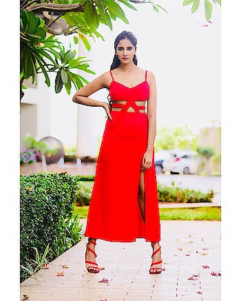 And where she stood..she stood tall🔥 love this number from @stalkbuylove ❤️💃🏻 ⠀⠀⠀⠀⠀⠀⠀⠀⠀⠀⠀⠀⠀⠀⠀⠀⠀⠀⠀⠀⠀⠀⠀⠀⠀⠀⠀⠀⠀⠀⠀⠀⠀⠀⠀⠀⠀⠀ ⠀⠀⠀⠀⠀⠀⠀⠀⠀⠀⠀⠀⠀⠀⠀⠀⠀⠀⠀⠀⠀⠀⠀⠀⠀⠀⠀⠀⠀⠀⠀⠀⠀⠀⠀⠀⠀⠀ @instascenex ⠀⠀⠀⠀⠀⠀⠀⠀⠀⠀⠀⠀⠀⠀⠀⠀⠀⠀⠀⠀⠀⠀⠀⠀⠀⠀⠀⠀⠀⠀⠀⠀⠀⠀ Shot by:- @anurag_kabburphotography  Makeup and hair:- @makeupnhairbynisha  #stalkbuylove #sbl #red #redhot #redlove #dress #outfit #fashion #style #mumbaiblogger #indianblogger #blogging #blogged