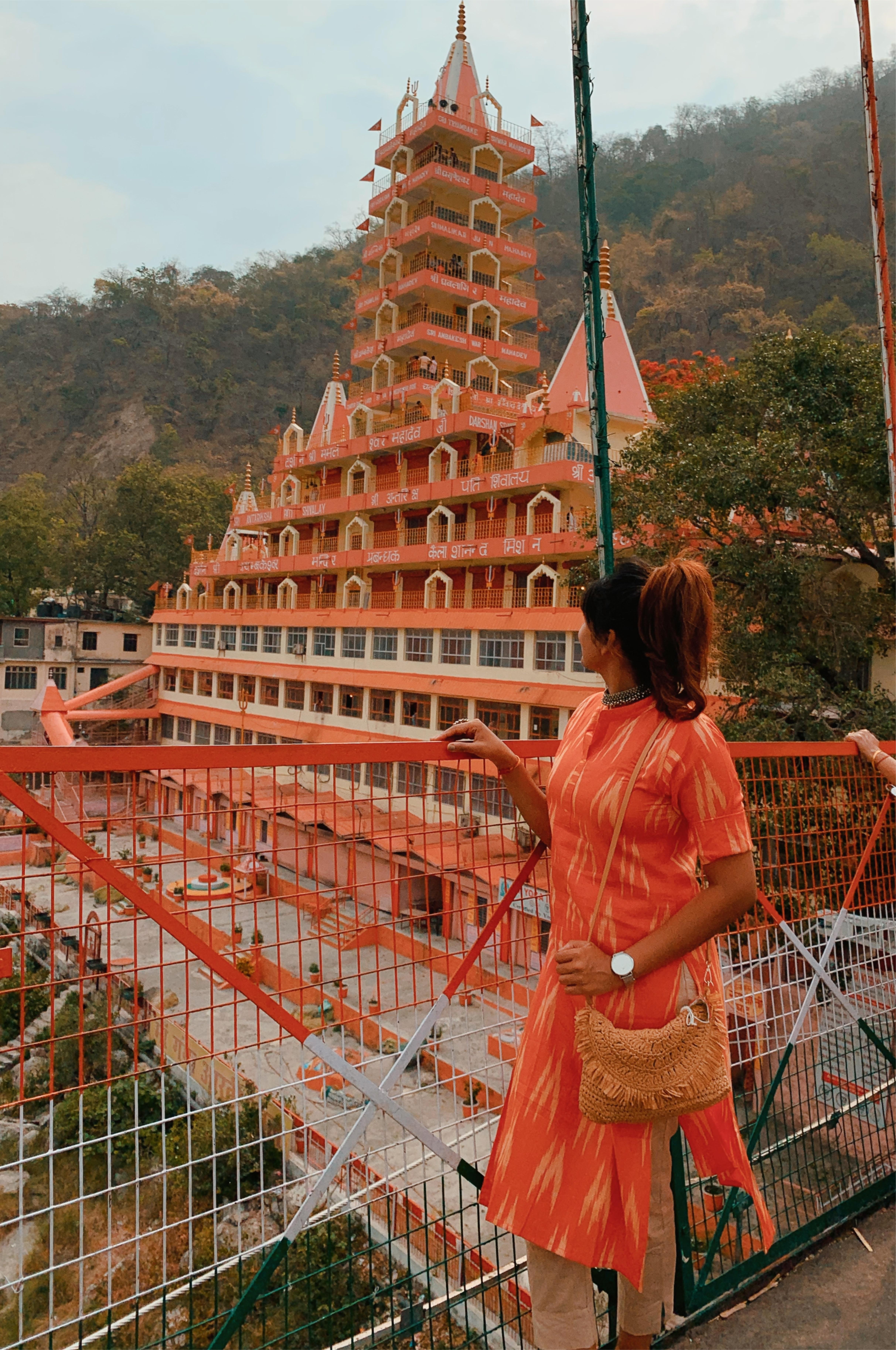 Rishikesh! 🙏🏼  #nomadgirls #journeysofgirls #damestravel #colorsofindia #incredibleindia #natgeoindia #wandertheworld #femmetravel #womentravel #travelrealindia #beautifulindia #exploreindia #indiaig #visitindia #voyaged #indiatourism #indiapictures #Delhiyoutuber #bangaloreblogger#bangaloreyoutuber #bangaloreinfluencer #uttarakhandtourism #mumbaibloggers#delhibloggers#indiangirlstravel #bangaloretravellers #uttarakhand_travel_diaries #delhibloggers #bangaloretravelblogger #rishikesh
