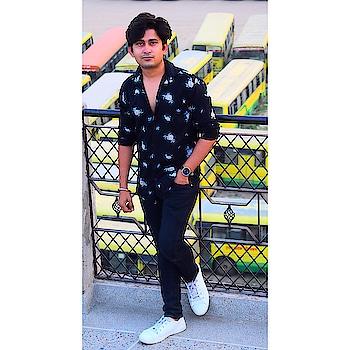 #shoot  #actor #model #blackshirt  #rishabhtiwari  #jcb  #hair-style #fashionblogger