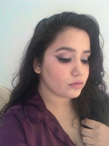 Its about going natural all this days I tried being colourful and dramatic but today went bit natural with my Champaign touch eyeshadow and yes a wing paired it down with my favorite lakmē nude lipstick. #thegirlything💖 #nudelips  #shegoesnatural #naturallook  #blogger  #followme  #makeupblogger  #makeupartist  #smile  #beauty  #beautyblogger  #makeup  #champaignshadows #eyedrama  #mynewmakeupstory