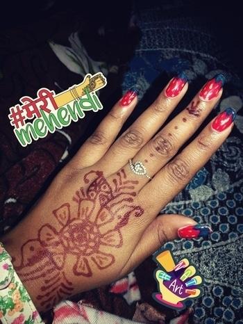 #strawberry #nails #mehndistyle #merimehendi #nailart