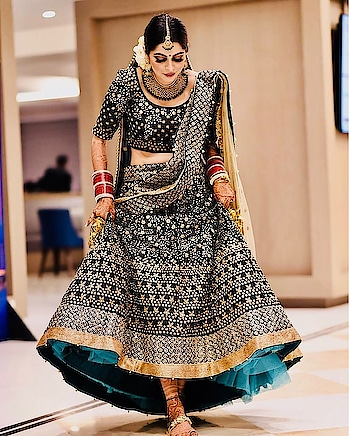 #indianbride #indianstyle #indianwears #makeup #bridal-fashion-designer #bridal-wear #bridal-jewellery #blackdress