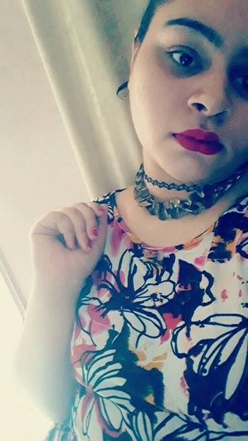 IT'S ALL ABOUT CHOKERS AND RED LIPSTICK❤💋