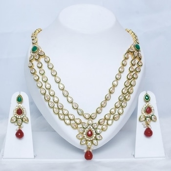Buy this kundan necklace set from WedTail & you don't need to fuss over the dress; this one will pair nicely with every wedding oufit.  COD Available|Free Shipping| Easy Returns  Shop Now:http://bit.ly/2gYHIRs  Price:Rs. 3,273.00  #WedLista #FashionForWeddings