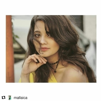⚡Fasionista Mallaica flaunting our choker  #Repost @mallaica with @repostapp ・・・ Each one of us has loved chokers, but styling them becomes a problem at times . Check out my blog for The Ultimate Guide To Style Chokers . #Blogged #chokers #mallaica #choker #chokers #blackchoker #leatherchoker #chokerindia #hollowchoker #chokernecklace #chokernecklaces #mumbaifashion #codavailable #codavailable #lookgood #shoponline #newchokers  #layeredchoker #tattoochoker #shoppingindia #stylishnecklace #indiafashionblog #roposo #roposofashion #indiafashionblogger #fashionbloggerindia #bollywoodfashion #bollywoodstyle #celebrityfashion #celebritystyle