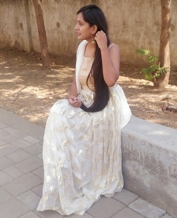 Before the blushing got hazed away with tutored sarcasm. #ethnicwear #indianoutfit #ethniclove  #ethnicearrings #whiteandgold #indian #longhairlove #longhairday #longhairdontcare #natural-hair #hairfashion #hair #alldressedup !