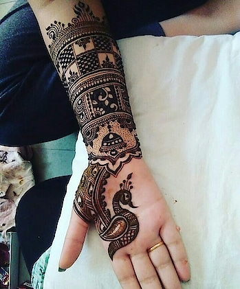 #mhendibydishu  #latest-mehndi #indian-mehndi #mehndiartist #designer-of-mehndi #lagsmehndi#bridal_mehndi#mehndibyme