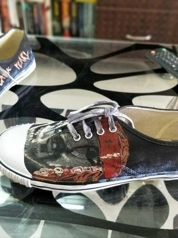 #roposotalenthunt #diy #diyproject #handpainted #shoes #haindpaintedshoes #canvas shoes #handpainted shoes #shoes  https://www.instagram.com/shop_your_doodle/ https://www.facebook.com/pg/FunkiMe/