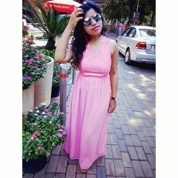 #sundaymornings #amazingdress #greattime #onlyindia #pinklove #maxidress #pinkdress #day-out