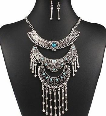 This Bohemian Beauty is back in stocks! Grab yours todays! 😘  Visit - www.damselcode.com  #boho #bohemianjewelry #bohemian #bohonecklace #bohemiannecklace #indianstyleblogger #indiafashion #indianfashionblogger #fashionjewelleryindia #fashionbloggerindia #chandigarhfashion #chennaifashion #mumbaifashion #delhifashion #vadodara #indorefashion #hyderabadfashion #codindia #codavailable #lookgood #fashionista #statementnecklace #kolkatafashion