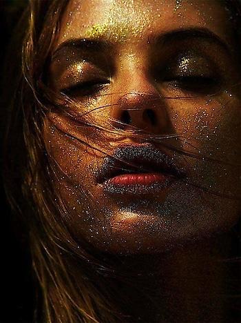 Face cut  #fashion_photography #beautifullocation #fashionlookbook #tvstar