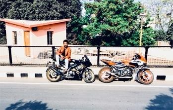 #bikelove #r15 #rider pulsar220😍 monsterbike 😎👌🏻✌🏻✌🏻