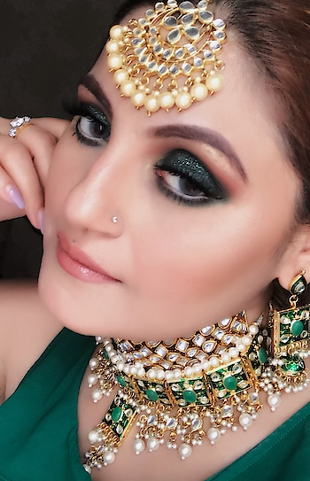 Trendy bridal makeup  Contact for bookings at -  Sapnav2412@gmail.com    #bridal #bridalmakeup #bridalmakeupartist #bridalmakeupartistsdelhiNCR #trendybridalmakeup #bridalmakeuptrends