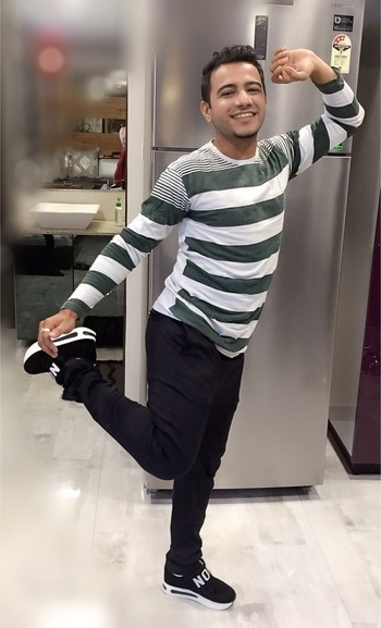 Very casual as well as trendy outfit for the evening hangout with friends ... Stripe t shirt and casual #zara pants makes a good combination  #brazzerspornstars #yogaday #internationalyogaday #fashionblogger #zaraman #zara #harshalex #thecuteststar #biggboss11 #biggbosshouse #biggboss10  #candid #colors #endemolshineindia @endemolshineind @biggbosss.11 @biggboss_season.11 #fashionporn #fashionmania #fashionfreek #fashionmania #fashionboy #surat #beijing #chinese #styleinthecity