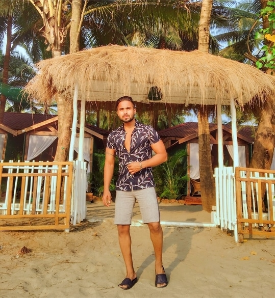 Live in such a way that if someone spoke badly of you, no one would believe it.✌🏻 . . . . #soroposolife #fitnation #beachlife #fitfam #beachwear #fashionblogger #styleblogger #indianfashionblogger #fitspo #fitnessmodel #fitnessmotivation #l4l #tropical #beachbody #beach #goa #quotestoliveby #entrepreneurlife #hustler #grinder #lifestyleblogger #lifequotes #beachhouse #beachday #gymfreak #ropo-love #muscular #beachlover #bodybuilding #menonroposo #roposoblogger