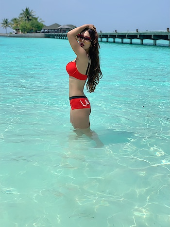 All I need is this Vitamin Sea 🌊🙈🙈🙈 :  Random Thought with the Old Pic from Maldives 🇲🇻 Trip 🙈🙈🙈 : : :  #takemeback #paradiseisland #paradisebeach #paradiseislandmaldives #maldivesislands #maldives #maldivesresorts #maldivestrip #boldandthebeautiful #summerbody #summervibes #beachvibes #beachlife #travelphotography #travel #travelblogger #travelwithme #travelgram #traveller #sealovers #summervacation #lockdown2020 #nehamalik #model #actor #blogger #instagood