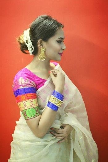 """New blog on """"Poila Boishak  Bengali New Year"""" went live. Subho Noboborsho 👏  #fashion #ethnic #bonglook #saree #bun #bindi #flowers #fashionislife #roposogirl #soroposo #blogger #bloggingdairies #fashionblogger"""