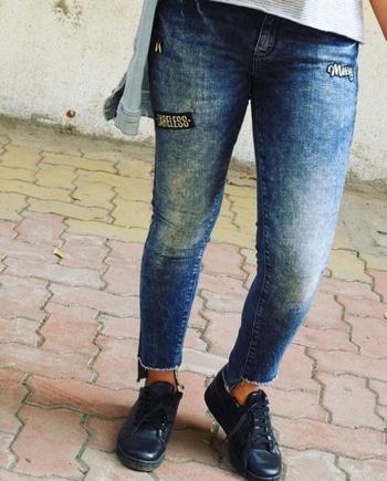 @onlyindia  #denimizetheworld #fashion #fashionblogger #nudetoberries #roposo @roposotalks