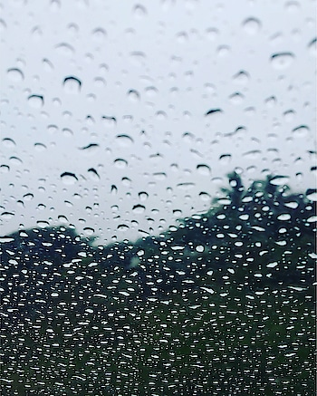 Rainy day photography #rainyday #rainydays #rainydayz #rainy_day #rainydaylooks #rainydaylooks #rainydayshoots #photographyeveryday #photogrphyeveryday #photographyy #photographydaily
