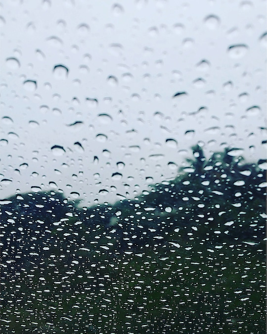 Rainy day photography #rainyday #rainydays #rainydayz #rainy_day #rainydaylooks #rainydaylooks #rainydayshoots #photographyeveryday #photogrphyeveryday #photographyy #photographydaily