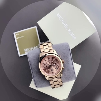 New Arrival  MICHAEL KORS 👉🏻 100 Series  👉🏻 Watches  👉🏻 For Ladies  👉🏻 Original Models  👉🏻 Features :- World Map DiaL, Metal Chain, OriginaL Japanese Machinery, Quartz Movement - Working Chronograph 👉🏻 With Normal BoX