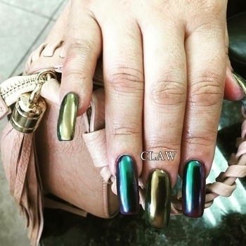 Claw women's day offer (All shades of Chrome nails & Mermaid nails Rs 999/-) #claw #womensdayoffers #getclawed💅