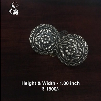 #Oxidised #silver #studs #earing pair ₹ 1800/- Length - 1.00 inch Width - 1.00 inch  COMPOSITION: 92.5 Sterling Silver  COD available in India. for orders Message or Whatsapp on +91 9636525302  #earings #shopnow #sparsak #studs #sterlingsilver #chandbali #shopnow  #temple #pearls #templejewellery #Sterlingsilver #danglers #inspiration #style #styleblogger #instalike #silver #socialbusiness #social #jewellery #workingmom #workinggirl #sparsakjewels #earrings