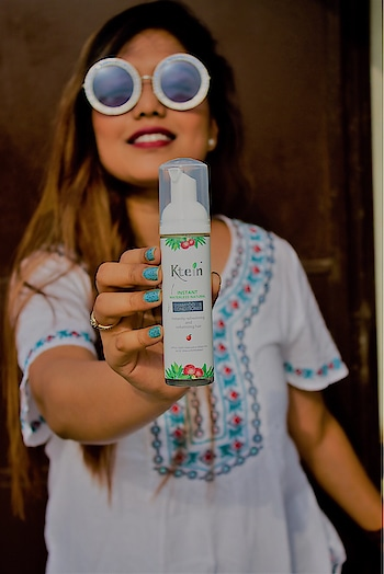If you want to try dry shampoo the. I would recommend this product from @kteincosmetics . It's offer prize is ₹295. Totally safe and naturally extracted .it has apple cider vinegar, green tea, aloe Vera and peppermint sound so refreshing and soothing at the same time . Just spray it evenly and give a 5 min hair massage that's it . It's voluminized your hair instantly. : available on Amazon , Flipkart , nykaa : : : : @kteincosmetics #kteincosmetics #ktein #dryshampoo #hair #fashionblogger #missfashioncupid #shubhiprakash #delhiblogger #influencer #safeproducts #influencer #plixxo