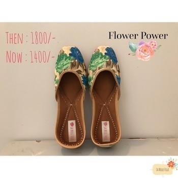 "Shop our bful ""FLOWER POWER"" 🌸 now for 1400/- #limitedsizesleft  #DM to order yours 🙌 • We Ship Worldwide 🌎• #flowerpower #sale #lbfdesigns #juttilover #newstylealert #newpair #juttiswagger #summershoes #flower #lbfdesigns #lbfjuttis🎀"