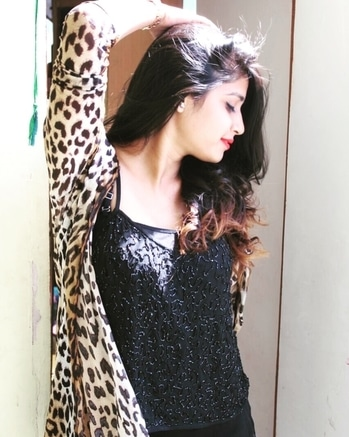 N tho She be ❤️ #picoftheday 💯 #fashionista #instablogger #black #tigeress #levelup #love #life #classy #sassy #pose #ootd #redlipstick #blackjeggings from @mango #tigerprint shrug from @sstyle_group #curlyhair #igers #follow #gleam_aastha #follow #fashionstyles #blogger #14k love #thankstoall 😘 #loveyouguys ❤️ #beaastha 💋