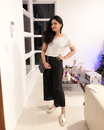 Ready for pre Christmas dinner party #partytime #christmasvibes #christmastime #christmas  #outitoftheday #ootd #fashionpost #lookbook #styleblogger #fashionista #roposofashionblogger #soroposofashion #indian #goldshoes #black #dressup #girlfashion #roposodaily #roposostyle #fashionblogger
