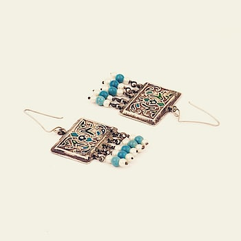 Featuring #silver meenakari rectangle drop #earrings adorned with #turquoise stones and #pearls by Sangeeta Boochra : https://www.indiancultr.com/new-arrivals/silver-splurge-by-sangeeta-boochra.html?trk=hmpg-slider #love #beautiful #India #IncredibleIndia #wow #amazing #artisan #instagood #want #neednow #inspiration #Indian #traditional #makeinindia #instalove #instalike #photooftheday #webstagram #follow #repost #shoponline #jewelry #newlaunchalert