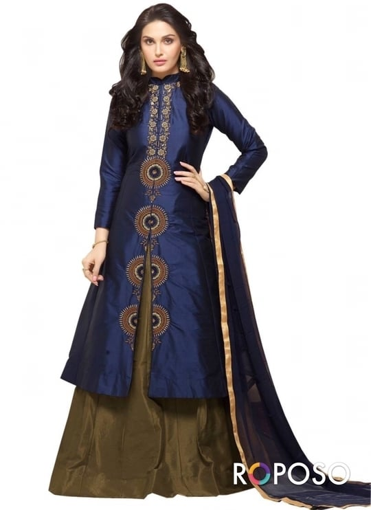 """New Arrival Navy Blue & Red Camric Cotton Indo Western @ Rs.1499  Order Now :-https://goo.gl/HVP0zX Order On Whatsapp no +91-9925633987  #reddress #dress #indowestern #anarkali #designer #longkurti #plazzo #kurti #cotton #wedding"