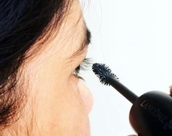 Top 👁10 Mascara hacks 🤘🏻for Makeup 👱🏻♀️addicts up on blog. Link in bio. #mascara #mascarahacks #howtoapplymakeup #howtoapplymascara . . . . #lancomemakeup #makeup #makeupblogger #eow #entrepreneur #exploreourway #bblogger #beauty #beautyaddict #beautyblogger #blog #blogger #bloggerlife #makeupgoals #eyeshadowpalette #eyemakeup #instagram #indianblogger #inspiration #brb #potd #motd #picoftheday #roposolove #bloggerstyle #blogging