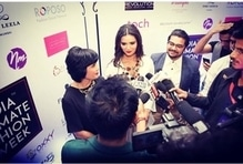 #press #conference #monashroffjewellery #monashroff #openingshow #indiaintimatefashionshow #boothetaboo #bollywood #actress #meenakshidixit #singer #sandeepbatraa  #dressdesigner #rajivmehta