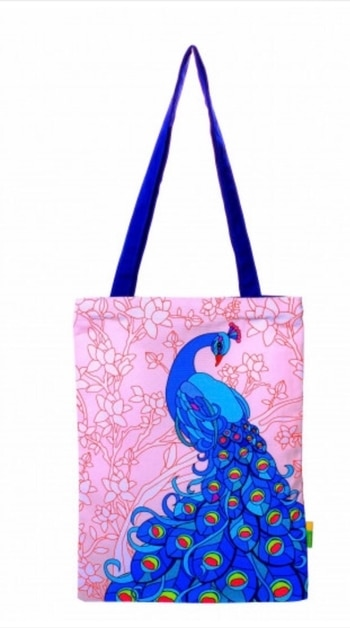 This #printed #peacock #bag is making us swoon! Available now on indiancultr.com #India #makeinIndia #fashionpost #style #fashion #wedding #accessories #shoppingonline #love #beautiful #IncredibleIndia #wow #amazing #artisan #instagood #want #neednow #inspiration #traditional #l4l #instalove #instalike #instadaily #photooftheday