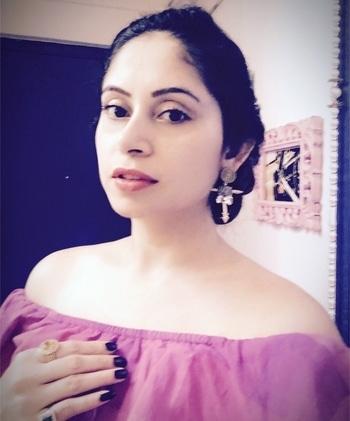 Note to self- You are a beautiful chaos.. and I Love You ❤️ . #avantikakhattri #fashion #filmfare  #imdb #bollywood #vastrabymilonee #mumbai #actor #delhi #india #travel #globetrotter  #artist #stardust #fashion #traveldiaries #carnivalmotionpictures #bollywoodactress #stevemadden #picturegallery  #cocktaildress #mumbaistudio #diamonds  #photooftheday #world #lovethyself #lifesbeengood 🌏