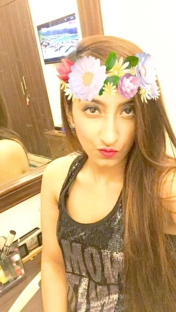 . #ootd #fashionista #photoshoot #tbt #lifestyle #longhair #bloggerdiaries #beauty #classy #followforfollow #likeforlike #online #Gurgaon #amychhabra #ootdmagazine #ootdshare #stylegram  #womaninstyle #styleblog #fashionblogger #popoxdaily #ropo-love #ropo-good #roposodaily #roposotrends #roposogal  #fashionbloggers #streetstyle #stylingtips #celebrityfashion #fashionweek #celebritystyle #fashionshows #events #beautytips #nailart #makeuptips #makeup