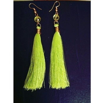 Cute neon Tassels ! Grab them at Just Rs 149. Comment to order. Or Visit Marigold on Instagram & Facebook. #newarrivals #affordablefashion #tasselearrings #earringsoftheday #earringaddict #onlineshoppinginindia #earringonline #soroposofashion #soroposogirl  #fashionaddict #india #festivalfashion #navratriearings #navratri #earringswag  #tassels  #neon #tasselslove