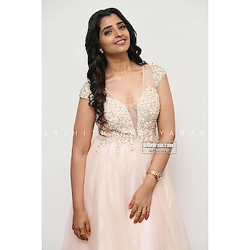 ~3d embellished floral gown ~ #archithanarayanamofficial #gowns #redcarpet #pretty #pink #3d #embellished #embossed #floral #manmadhudu2 #audiolaunch #styledby @itsmejaanv @syamalaofficial #stunner #show #tollywood #movies #shoptillyoudrop