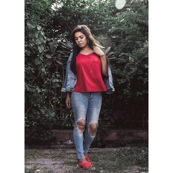 There is a shade of RED for every woman. . . . . . . 📸 @saumya_singhstagram  #fashionblogger #Fashion #indianblogger #lucknowblogger #streetwear #streetstyle #streetstyleblog #streetstylefashion #streetstyleblogger #lifestyleblogger #lifestyle #beautyblogger #wooplrxyou #ootd #wooplrinfluencer #roposolove #babesofsbl #onlyindia #red #fallfashion #denimjacket #denimlove #forever21 #vartikasaraswat #thewinsomesoul