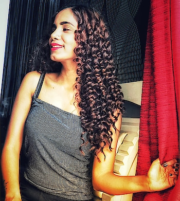 It took around 15 minutes to do the curls from @havells__india their new launch essential grooming make almost every hairstyle easy, new launch is not only for girls but as well as for guys like trimmer and all:) I curled hair with chopstick curler✌🏻️#havells #havellsindia #havellsindia#havellsgroomingesentials