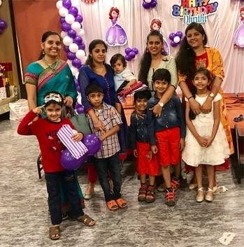 Good times with friends #kidstime #birthdayparty #soroposo #styling #makeupexpert #grooming #funwithkids #crazymommies #loveforkids #kidsfun #roposoeditorial #bangalore