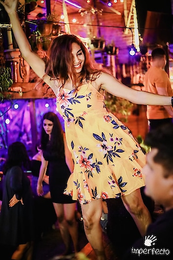 I forget everything when I dance 💃🏻 💃🏻 I don't care how I look or who is around 💓 It's my Nirvana 😇  @imperfecto.noida #imperfectonoida #weekendfun #dancelove #indianfashionblogger #clubbing #nightout #dancerforlife #fashionblogger